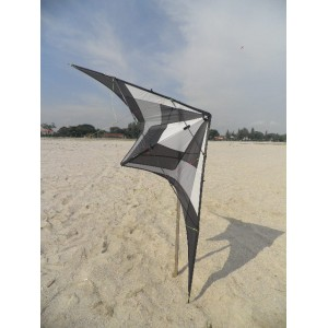 wind fighter 2.4m crusedar tric kite (used)